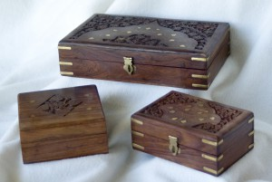 0713-CarvedWoodenBoxes-1000px