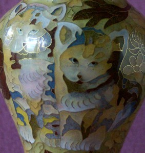 Urn-Cat-Cloisonne-detail